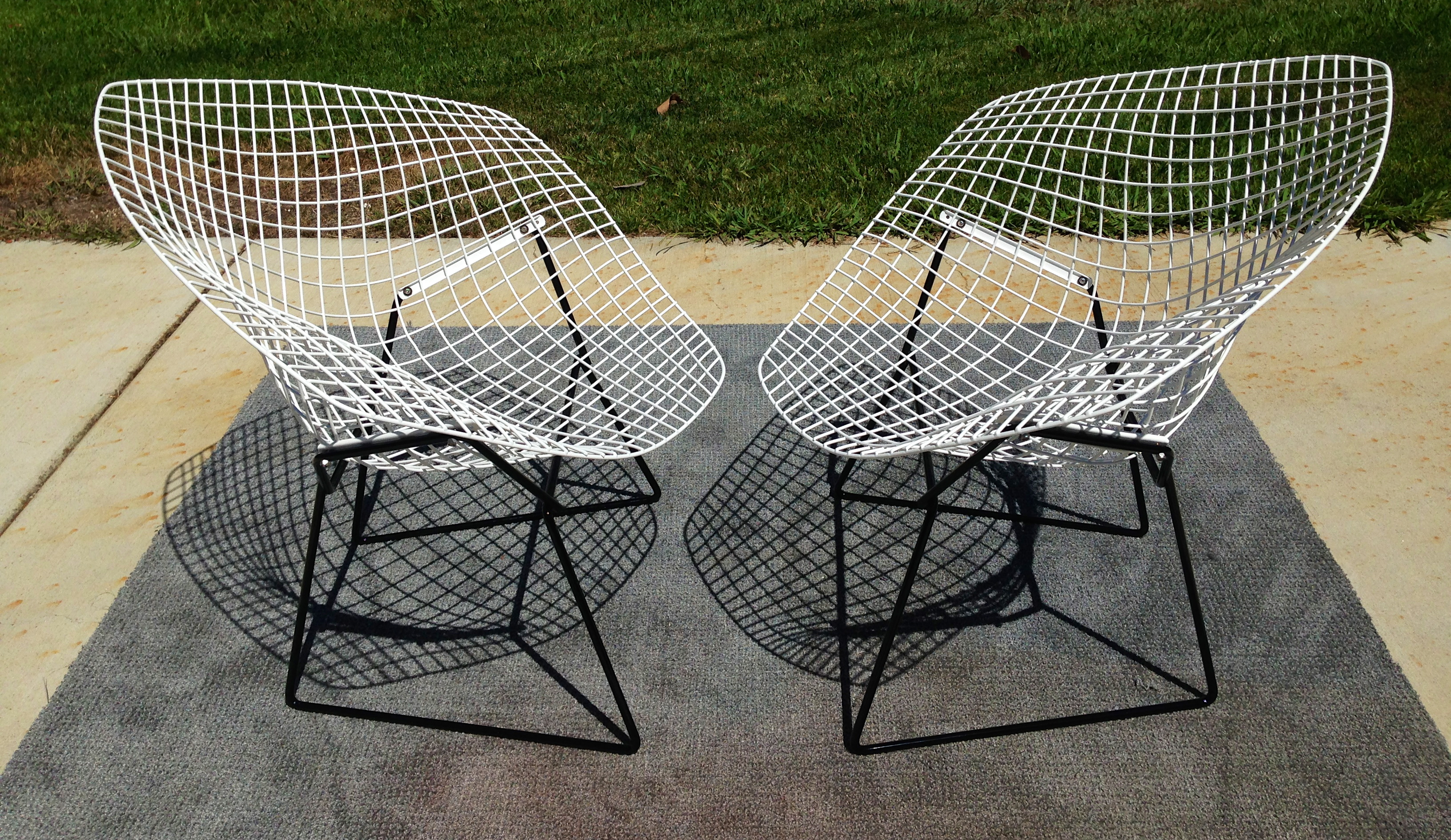 Set Of 2 Vintage Diamond Chairs Totally Restored (welding, Sand Blasting ,  Powder Coating Are Some Of The Steps The Chairs Went Through) In Gloss Bu0026W  With ...