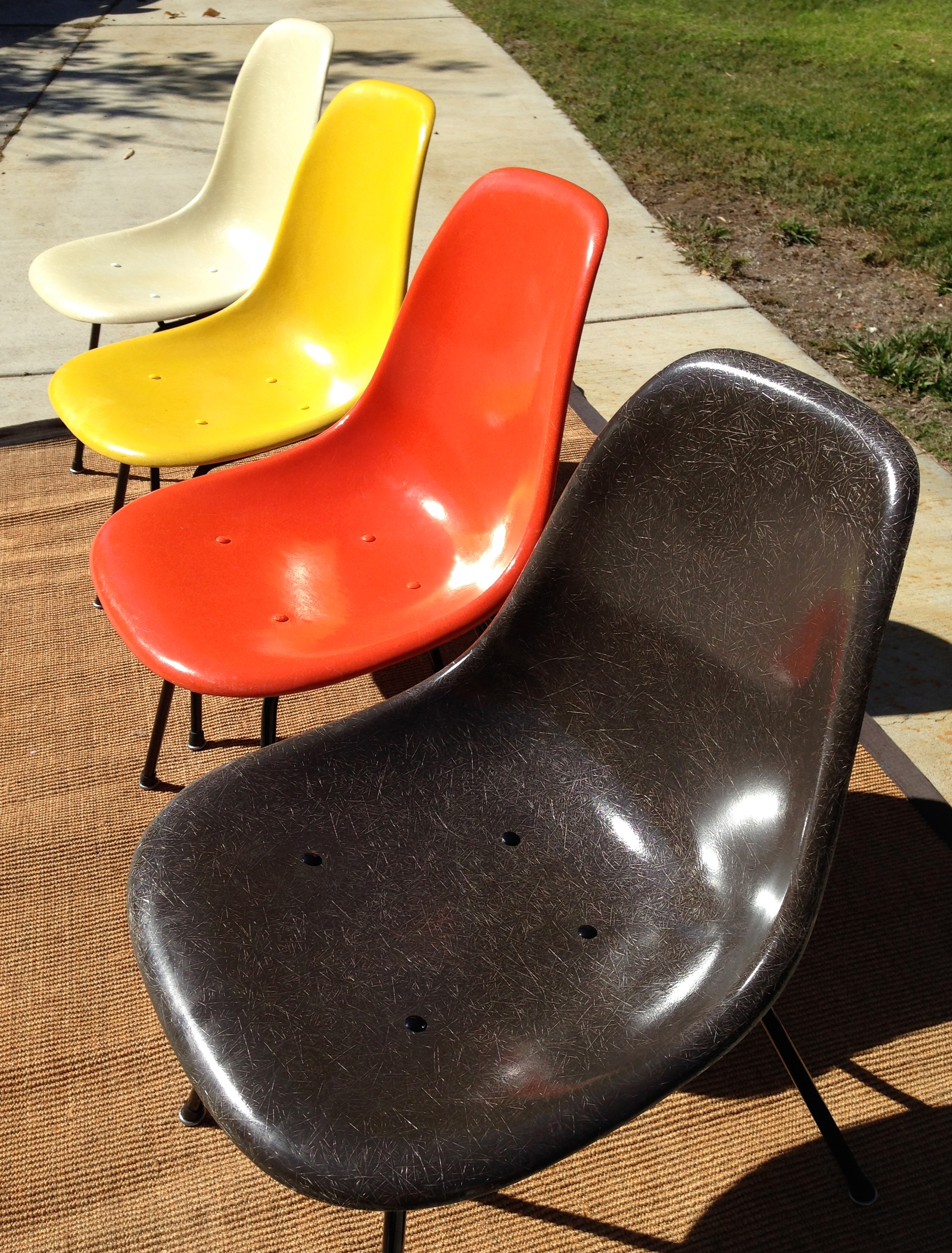 Set Of 4 Authentic Vintage Mid Century Fiberglass Side Chairs Designed By  Charles Eames For Herman Miller. All These Chairs Have Either Been Cleaned  Up Or ...