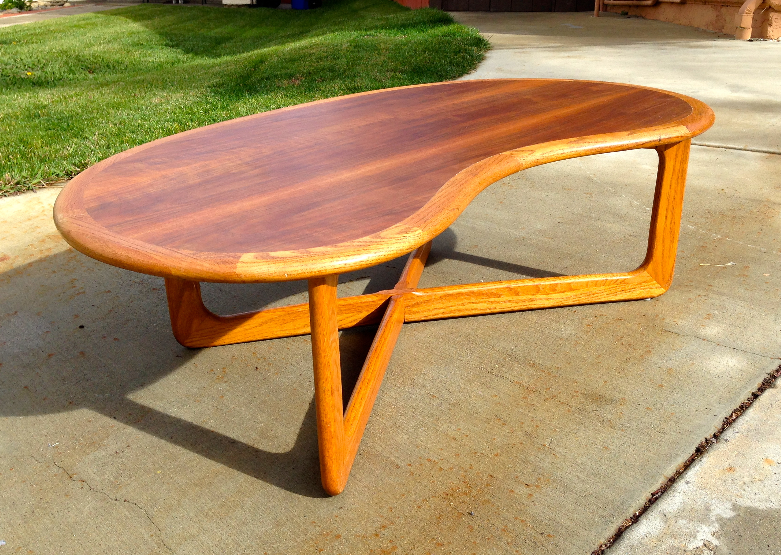 "196o s Lane ""kidney BEan"" coffee table by Adrian Pearsall"